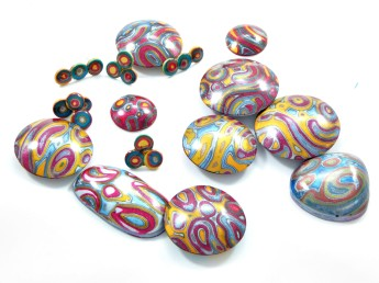 Paisley patterned hollow beads and earrings